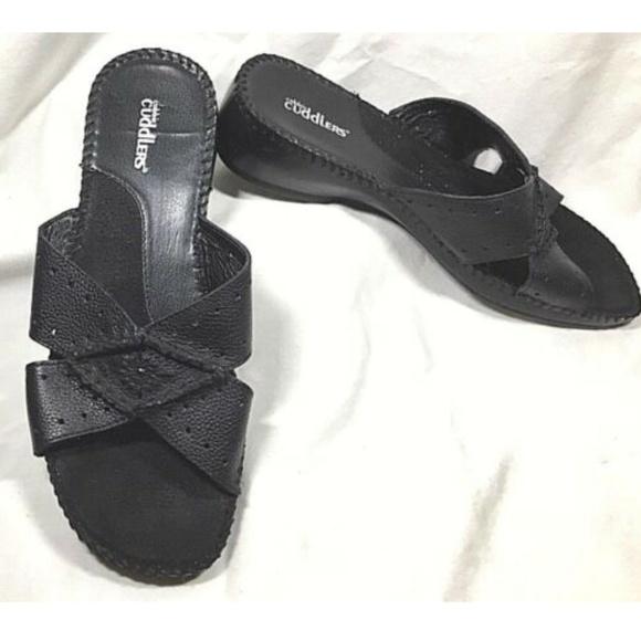 952f59af88d COBBIE CUDDLERS Black Leather Wedge Sandals 7 1/2W